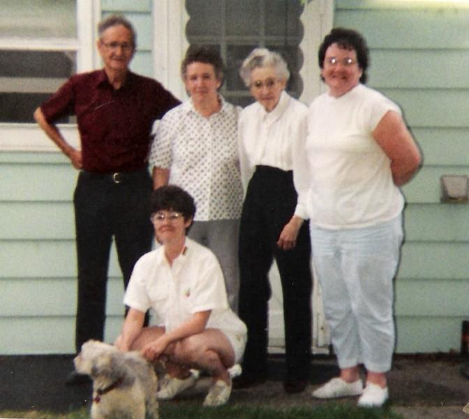 Kenneth, Norma Brockway, Maryellen, Gladys McCaffery & Diane.jpg