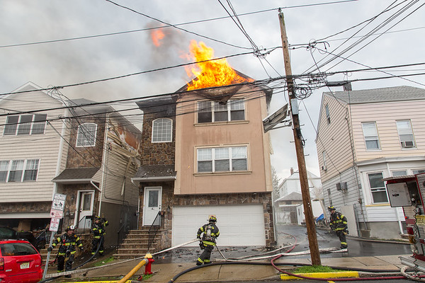 Paterson NJ 2nd alarm, 348 Paxton St. 04-16-17