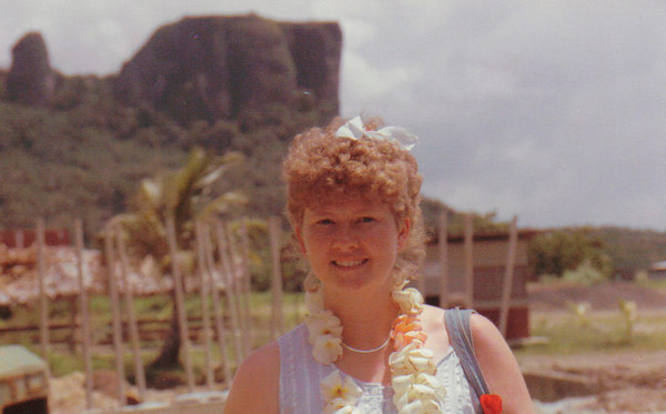 Pohnpei 1988:  Diane Hall (Micro 60)