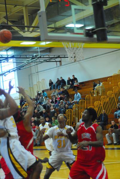 20090301_MCC Basketball_5611.JPG