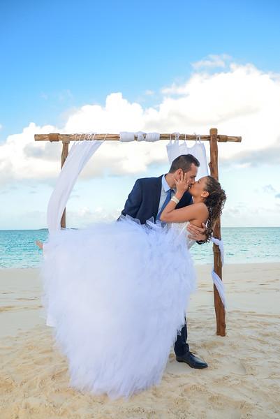 Beach Wedding at Paradise Bay Resort in Exuma Bahamas photo by Reno Curling #renocurling