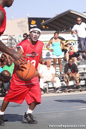 08.30.09  Venice Beach Basketball League Finals.  www.veniceball.com