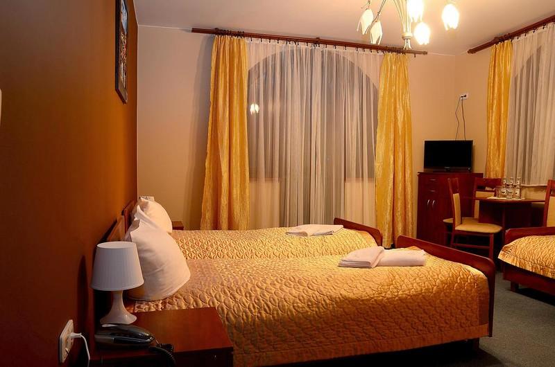 hotel-tyniecki-krakow1.jpg