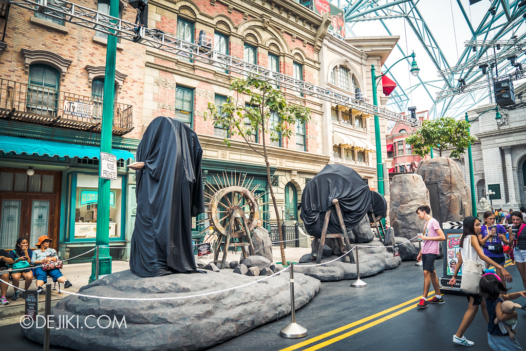 Halloween Horror Nights 7 Before Dark 2 Preview Update / Pilgrimage of Sin scare zone - street decor overview