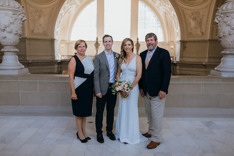 2018-10-04_ROEDER_EdMeredith_SFcityhall_Wedding_CARD1_0112.jpg