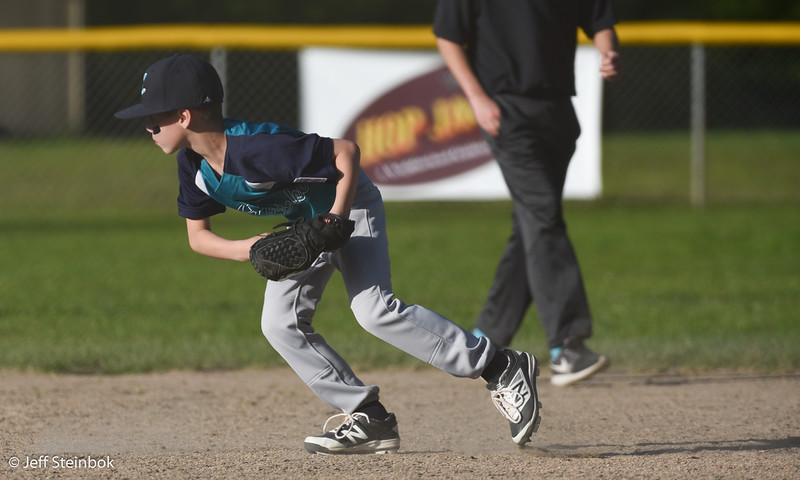 04-25 vs SLL Yankees (7 of 28).jpg
