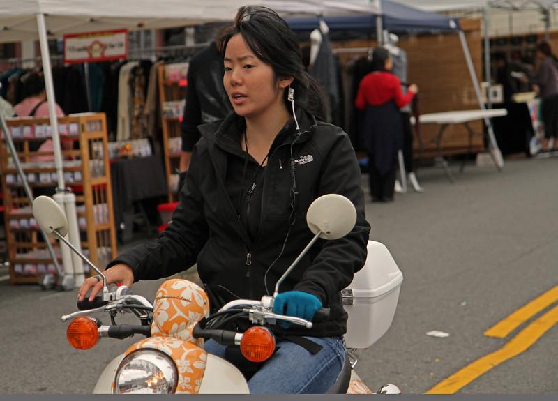 motorcyclegirl1600.jpg