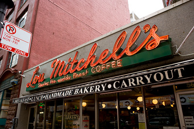 Lou Mitchell's Restaurant & Bakery in Chicago