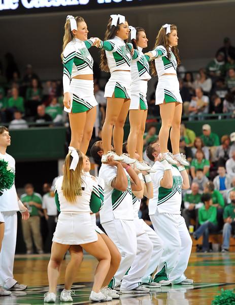 cheerleaders0522.jpg