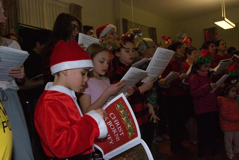 2018-12-19-Christmas-Caroling_018.jpg