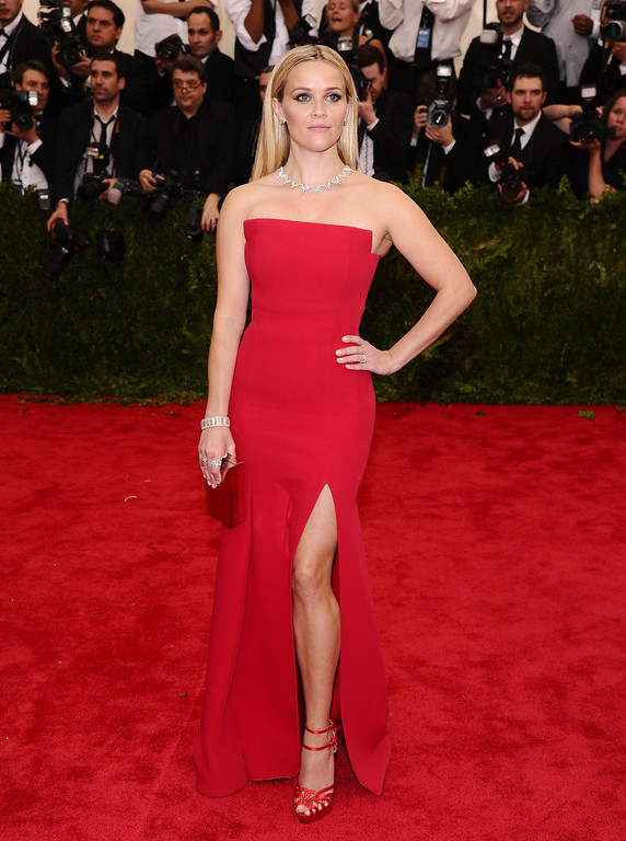 """. Reese Witherspoon arrives at The Metropolitan Museum of Art\'s Costume Institute benefit gala celebrating \""""China: Through the Looking Glass\"""" on Monday, May 4, 2015, in New York. (Photo by Charles Sykes/Invision/AP)"""