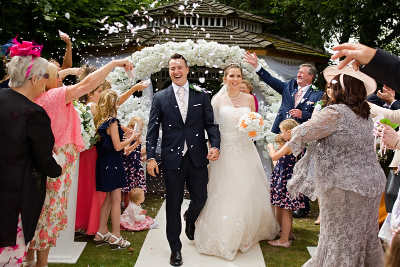 wedding-photographer-confetti-greenwoods-essex-(35).jpg