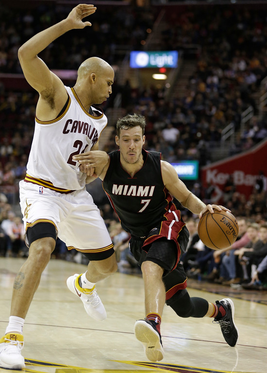 . Miami Heat\'s Goran Dragic (7), from Slovenia, drives against Cleveland Cavaliers\' Richard Jefferson (24) in the second half of an NBA basketball game, Monday, March 6, 2017, in Cleveland. (AP Photo/Tony Dejak)