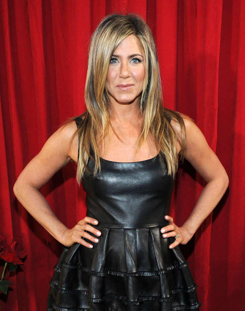 Description of . Actress Jennifer Aniston attends the 39th Annual People's Choice Awards at Nokia Theatre L.A. Live on January 9, 2013 in Los Angeles, California.  (Photo by Michael Buckner/Getty Images for PCA)