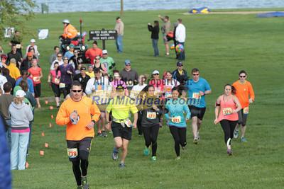 Half Marathon Start Wave 2 - 2014 Back to the Beach