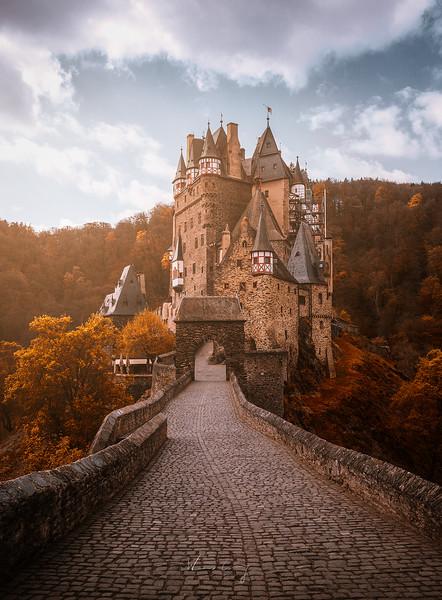 Burg-Eltz-1.jpg