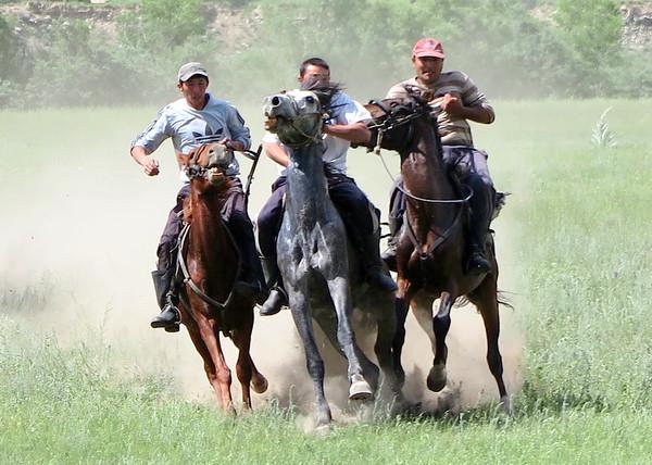 Horseriders in Bishkek - Serguei Oushakine