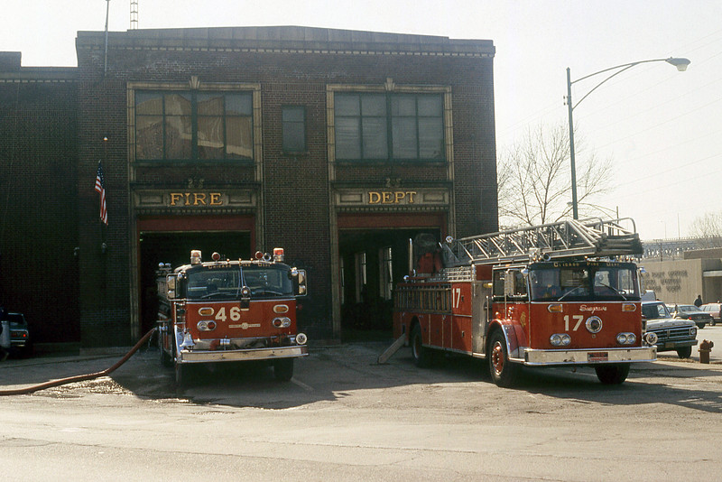 CHICAGO  ENGINE 46  ALFCO CENTURY AND TRUCK 17  SEAGRAVE  100'.jpg