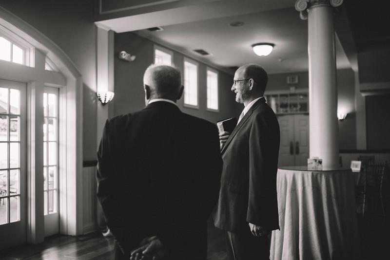 Philadelphia Wedding Photographer - Bernreuther-325.jpg