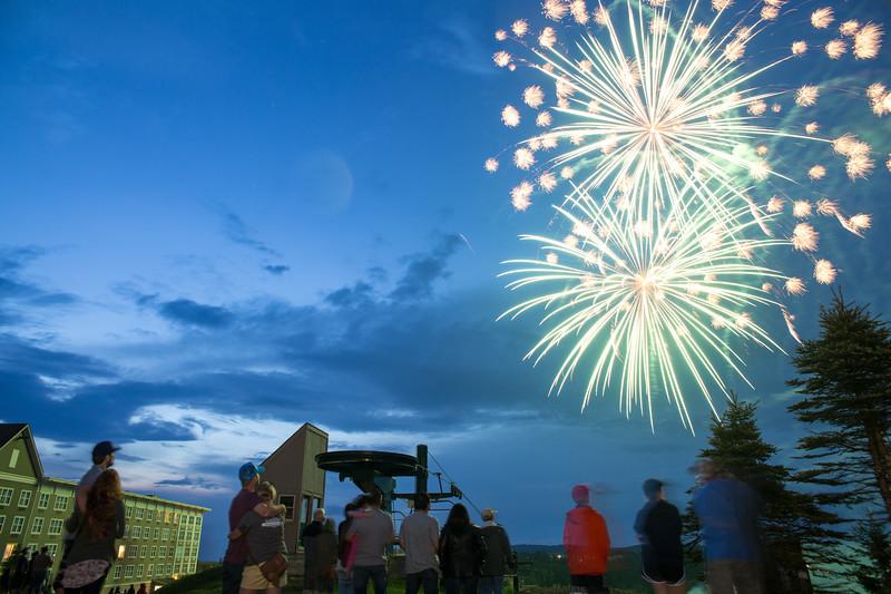 {3}Fireworks-0076.jpg