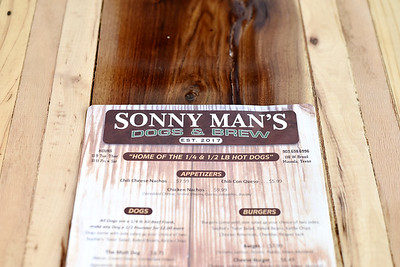 sonny-mans-dogs-brew-in-mineola-features-the-best-in-hot-dogs-brews-and-more