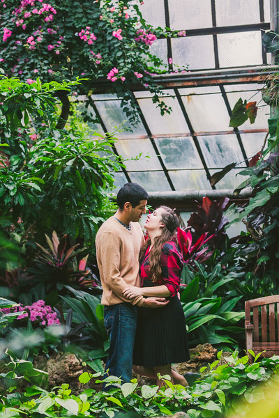 Lincoln-Park-Conservatory-Engagement-Session-28.jpg