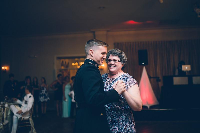 Philadelphia Wedding Photographer - Bernreuther-650.jpg