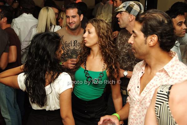 dancing photo by Rob Rich © 2008 516-676-3939 robwayne1@aol.com