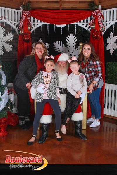Santa 12-17-16-143.jpg