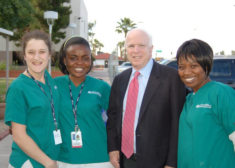 Sen McCain PVAHCS Visit 5-1-2010 5-32-20 PM.JPG