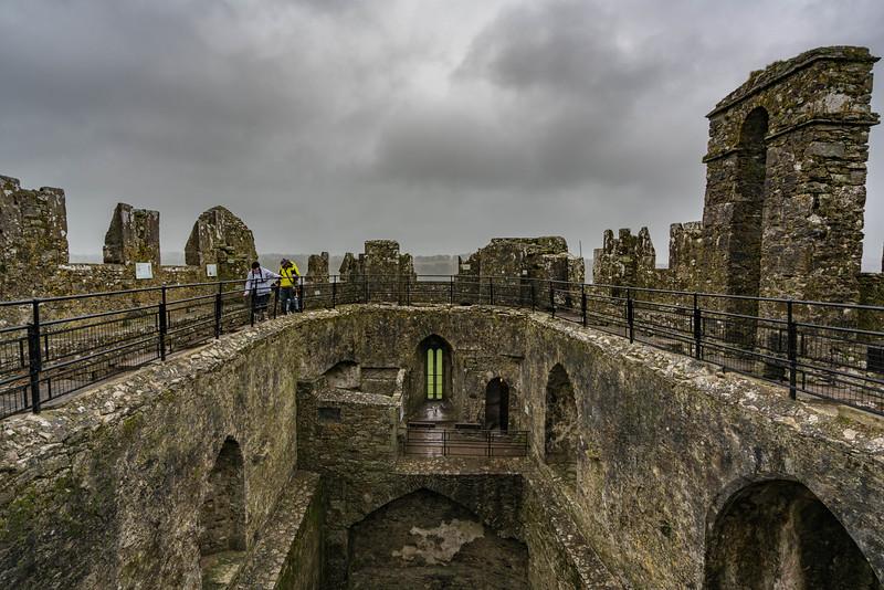 kissing-the-blarney-stone-4.jpg