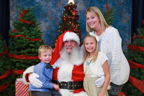 2015 3/5 Christmas Party - Santa Portraits