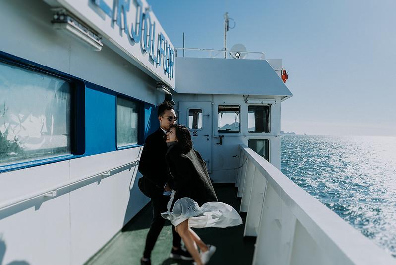 Tu-Nguyen-Destination-Wedding-Photographer-Iceland-Elopement-Fjaðrárgljúfur-16-30.jpg