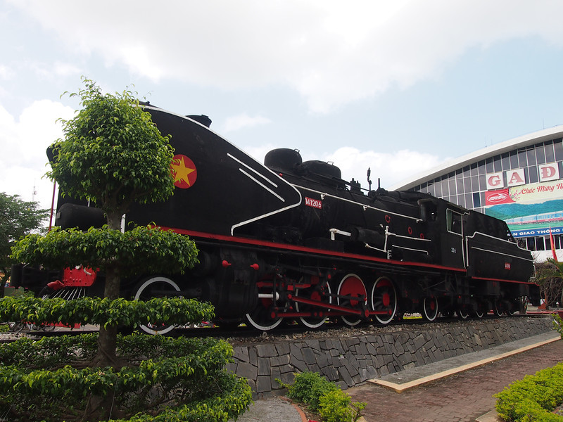 P1205264-old-locomotive.JPG