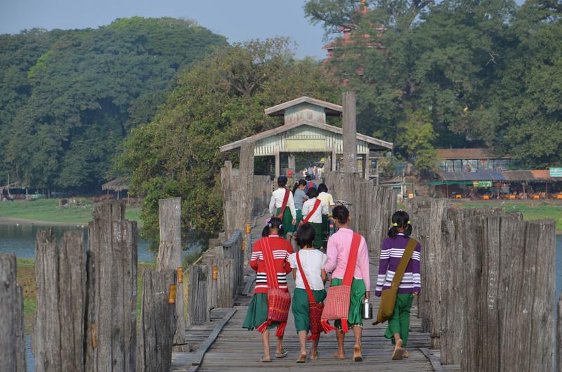 DSC_4959-school-girls-crossing-bridge.JPG