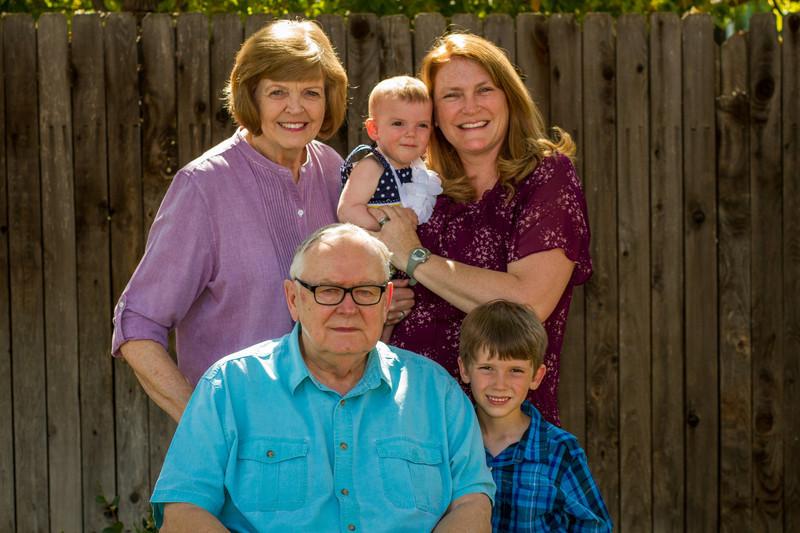 03-27 Hanson Family-139.jpg