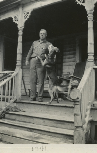Dad Old Farm House 1941113.jpg