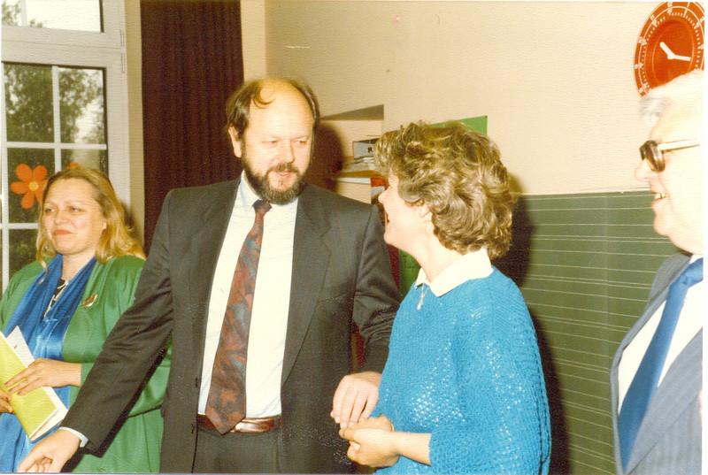 1986 Preisverleihung durch Kultusminister Breitenbach (19).jpg