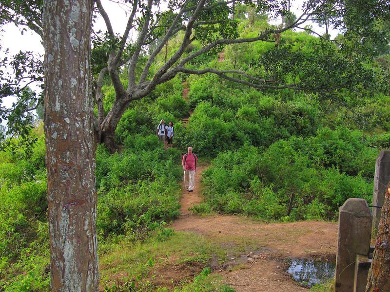 DhankutaNW ridge hike12.jpg