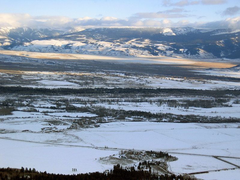 View of Jackson Hole from ski area   (Dec 11, 2006, 03:35pm)