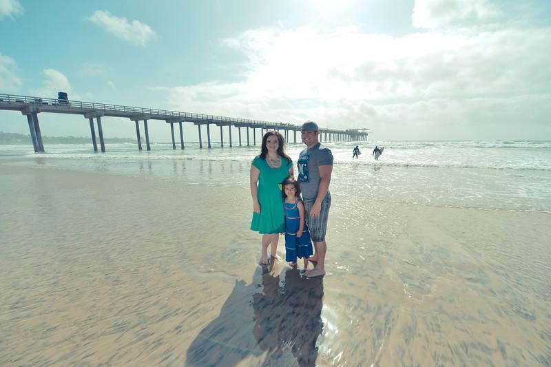 beach family (32 of 18).jpg