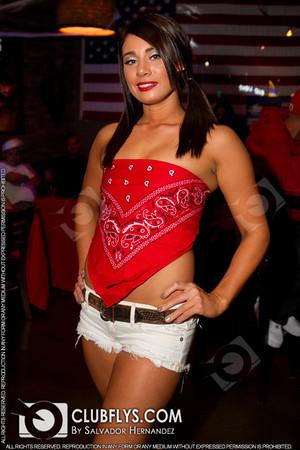 2013-10-25 [Miss Famous Vodka Wild West Top Model Contest, Bullfrogs Bar & Grill, Kingsburg, CA]
