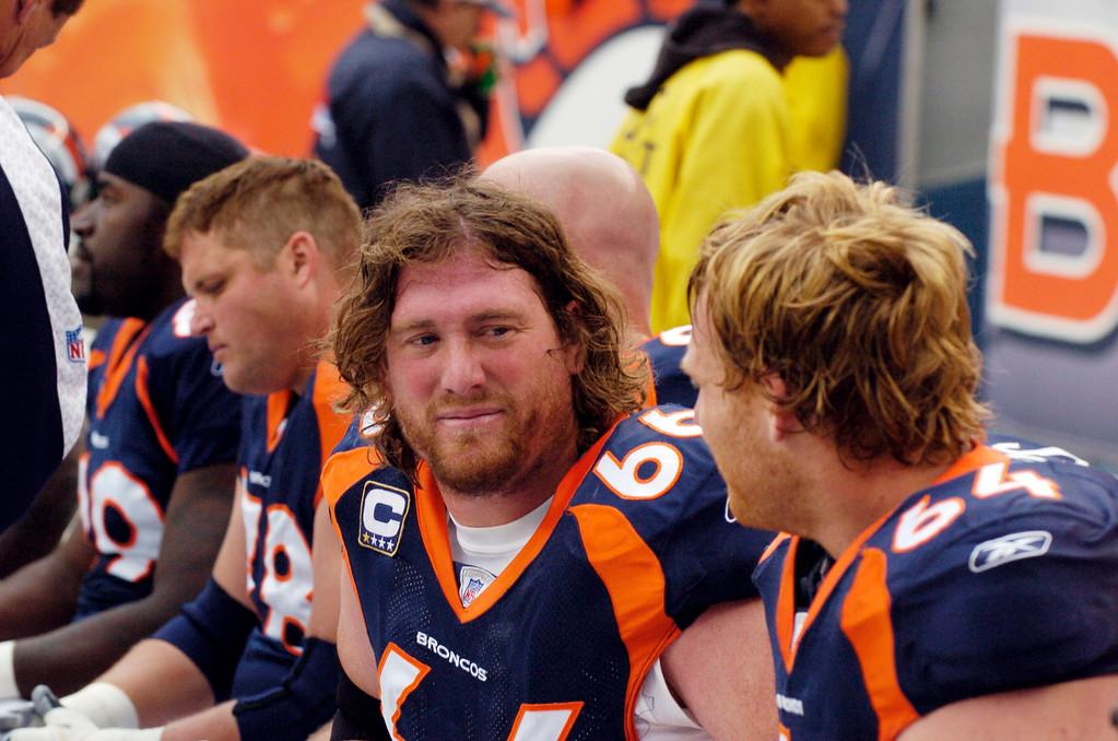 . Denver Broncos center Tom Nalen on the bench during a Chargers game. Steve Nehf/The Denver Post