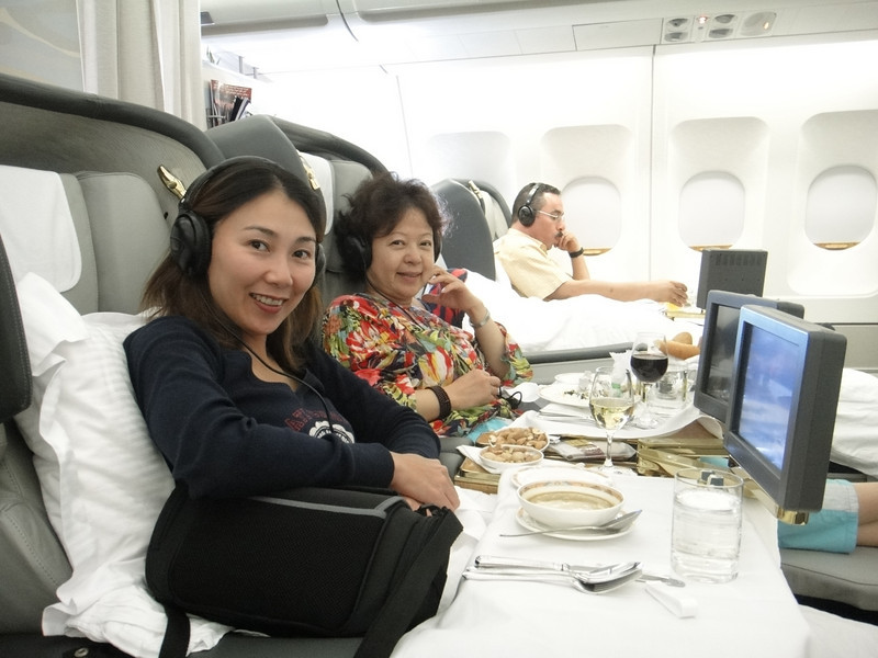 [20101009] Day 10 - BB 1st Class on Emirates Airlines (9).JPG
