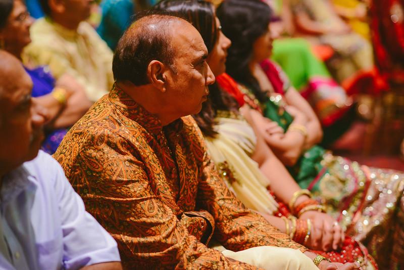 Charmi & Abhi Garba (122 of 578).jpg