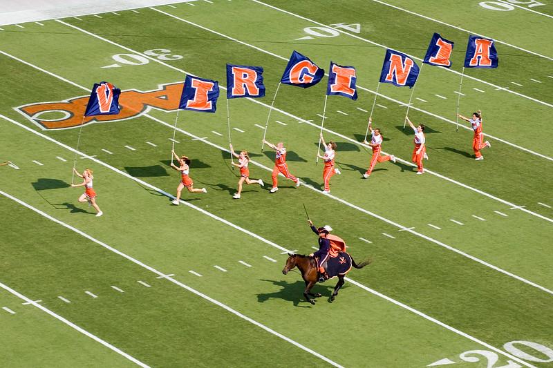 UVA Cheerleaders and Cavalier