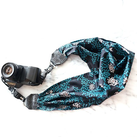 camera scarf