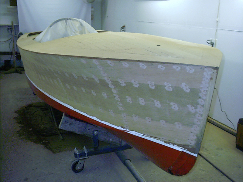 Starboard side puttied.