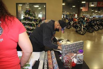 Christmas Wrapping 12-12-20