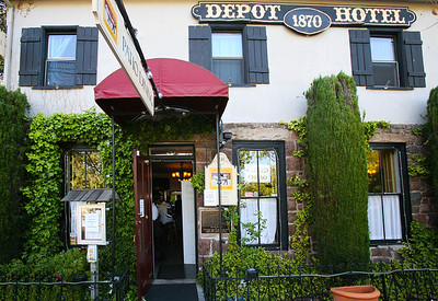 2014 Mike Depot Hotel